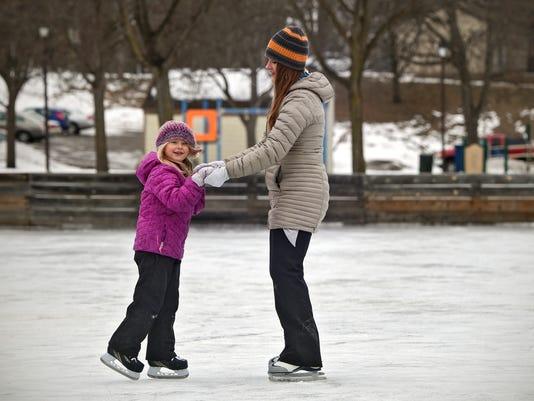 636187121464397072-Skating-stand-alone.jpg