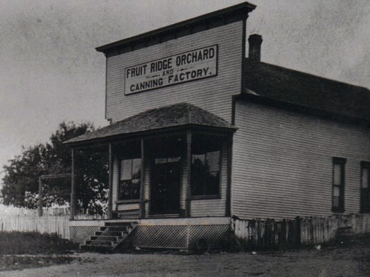 636589731520068891--2-Fruit-Ridge-Orchard-and-Canning-Factory-in-Tennessee-Ridge-1928A.JPG