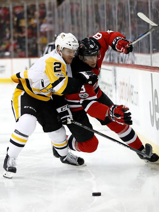 Penguins-Devils-Hocke-njha-1-.jpg