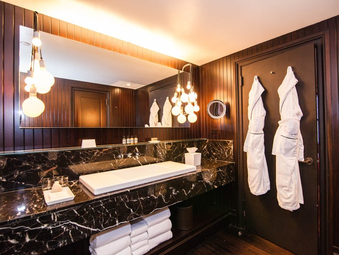 America s most luxurious hotel bathrooms for Most expensive hotel in america