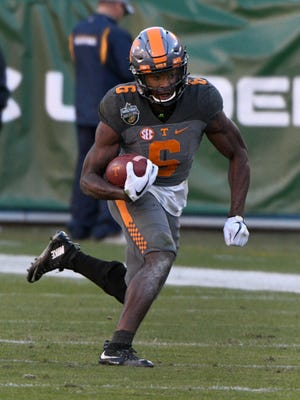Tennessee Volunteers running back Alvin Kamara (6) during the first half of the Franklin American Mortgage Music City Bowl at Nissan Stadium in Nashville, Tenn., Friday, Dec. 30, 2016.