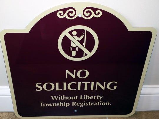 Warning signs on door-to-door soliciting in Liberty