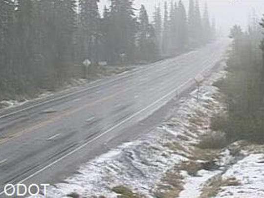 Snow on Santiam Pass Tuesday morning
