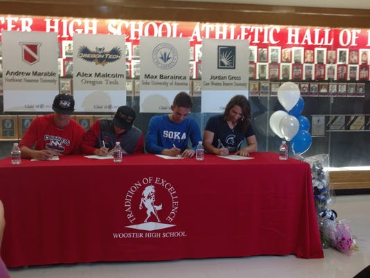 636276299107423603-Wooster-Signing-day.jpg