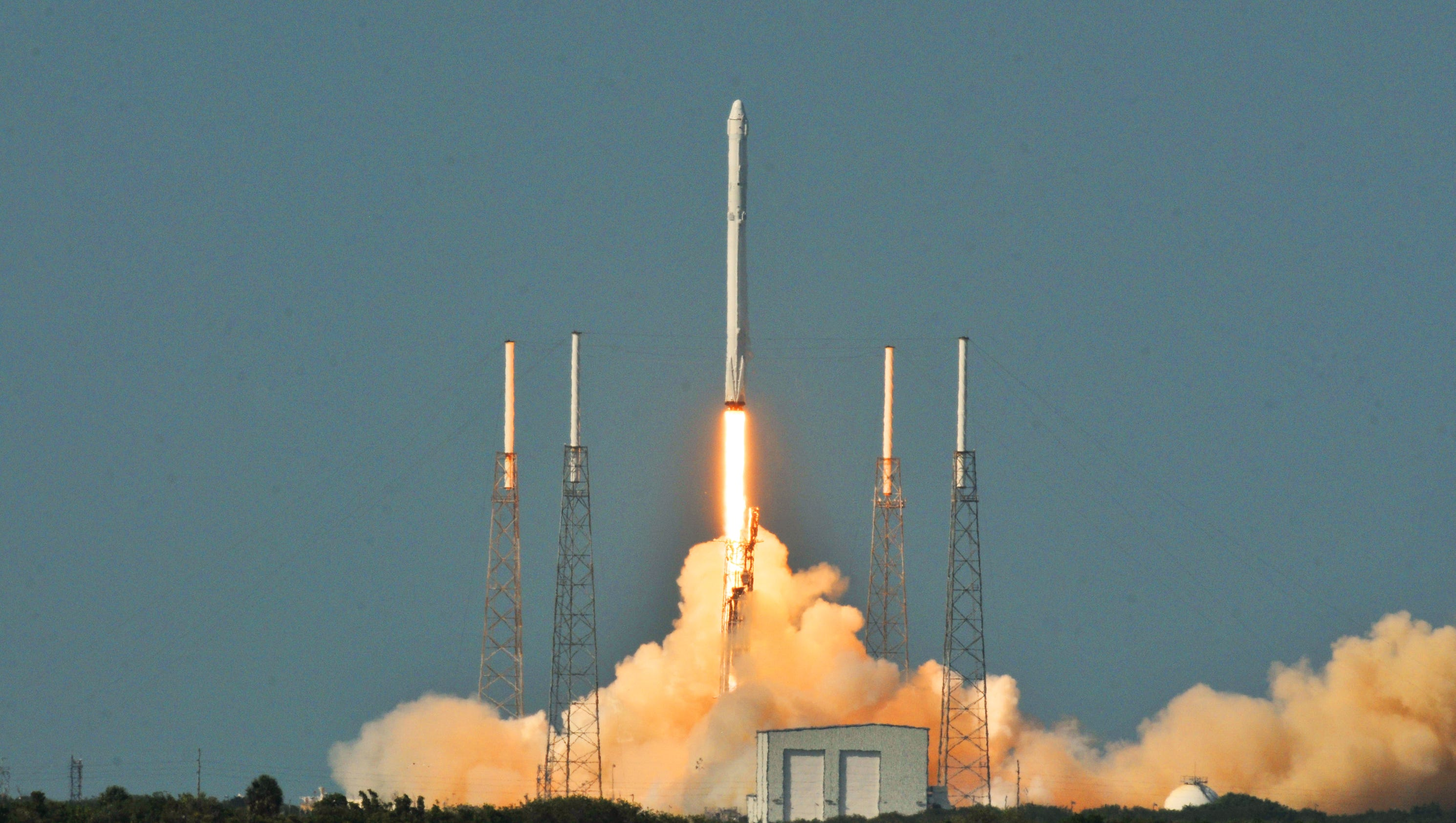 SpaceX targeting early May for Falcon 9 rocket launch
