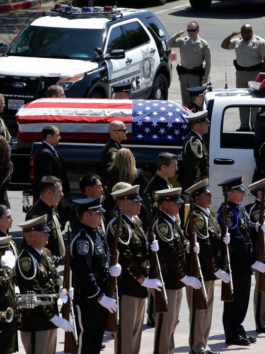 2014 212580604-Police_Shot_Las_Vegas_NVJL103_WEB834907.jpg_20140612.jpg