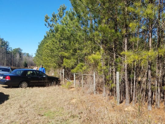 Anderson County authorities respond to the scene where a chase involving Terry Rhodes ended Jan. 26 near Little Mountain and Travis roads.