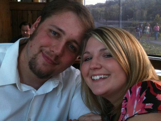 Dustin Lanterman and Jessica Jungquist will be married