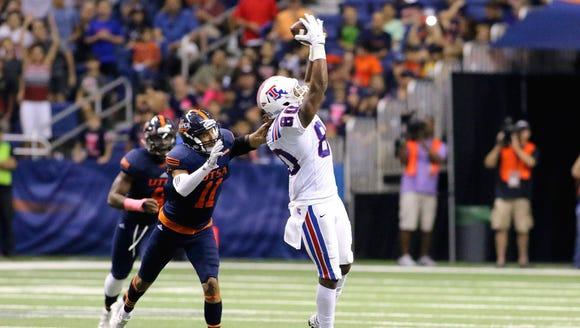 Louisiana Tech wide receiver Kam McKnight catches a
