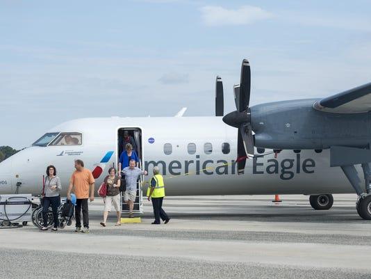 le- American Airlines plane 4835.jpg