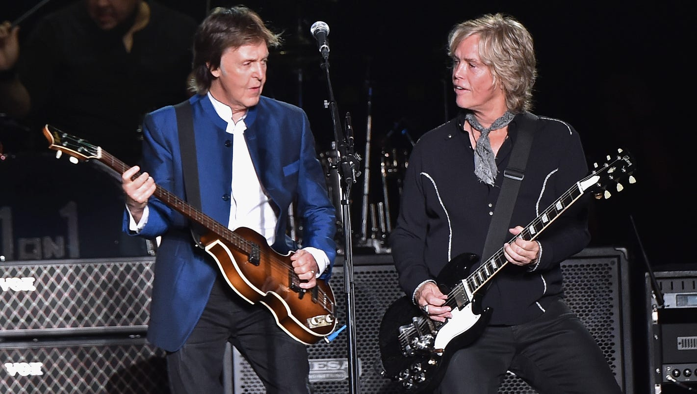 paul mccartney in new jersey meet brian ray the man who plays bass. Black Bedroom Furniture Sets. Home Design Ideas