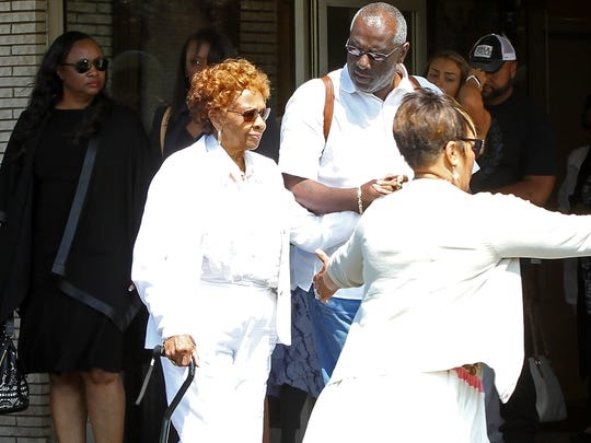 Cissy Houston (L) at funeral service for Bobbi Kristina
