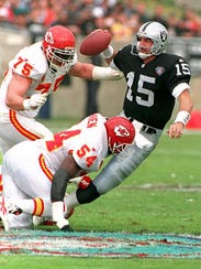 Quarterback Jeff Hostetler played for the Raiders for