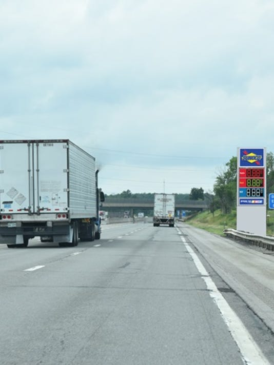 636492784377511535-New-Sunoco-Fuel-Sign-2-.jpg
