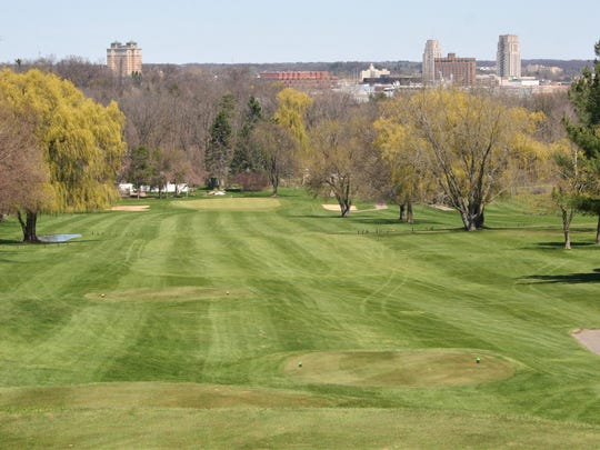 Riverside's signature hole as a beautiful view of downtown Battle Creek.