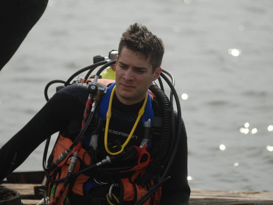 Chris Richard, a member of the St. Clair County Dive
