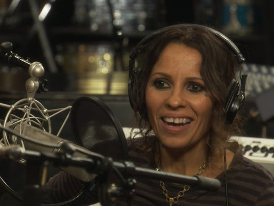 Linda Perry fights singing show stigma in VH1 series