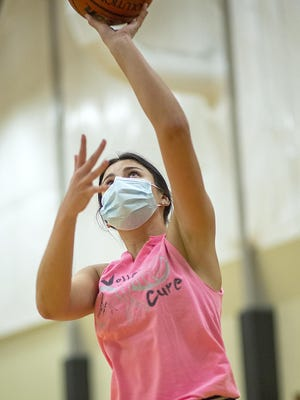 ROWVA High School senior Calyn Garza shoots a short jump shot during the Tigers' workout at ROWVA Elementary on Wednesday, Oct. 14.
