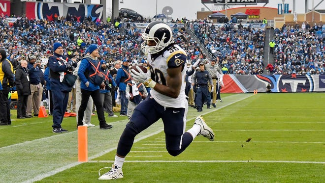 Rams running back Todd Gurley scored at least 45 PPR fantasy points in both Week 15 and Week 16.