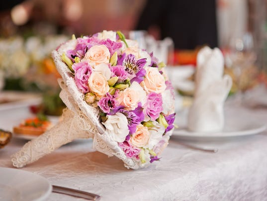 Wedding expos and tips to navigate them