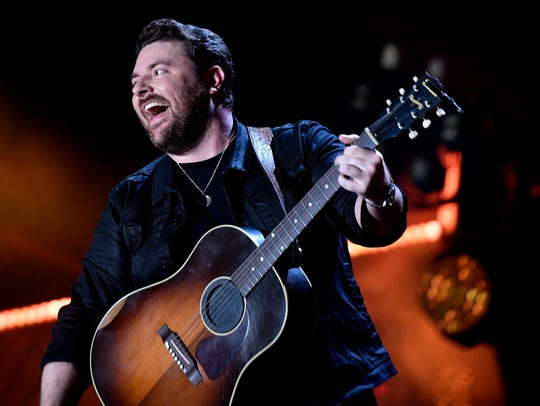 Chris Young performs at Nissan Stadium on the third