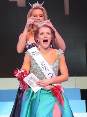 Matti-Lynn Chrisman was crowned as Miss Ohio 2018 by 2017's winner Sarah Clapper on Saturday night at the Renaissance Theatre.