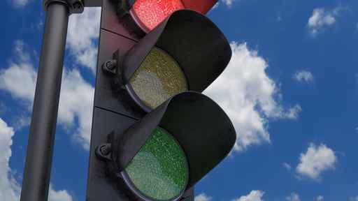 Traffic signals in the city of Zeeland will be hooked into a system that gives first responders a green light in emergency situations, making their journey to emergencies faster and safer.