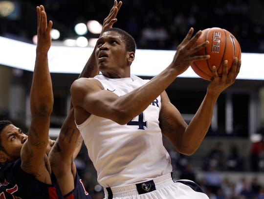 Xavier Musketeers forward Travis Taylor (4) takes the
