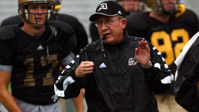 Army football coach Bobby Ross, during practice in West Point, N.Y., on Sept. 7, 2004.
