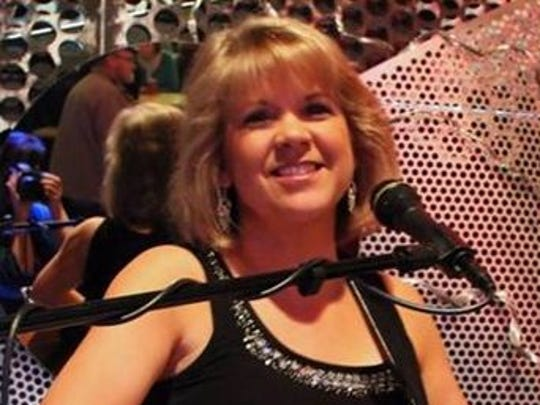 The Leanne McClellan Band plays rock, jazz and blues.
