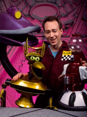 """Joel Hodgson made a career out of movie riffing with his robotic pals on """"Mystery Science Theater 3000,"""" which debuted on Thanksgiving Day 1988."""