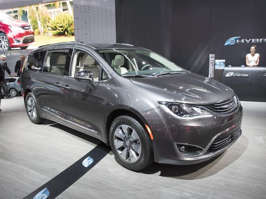 -3_chrysler_pacifica.jpg_20170127.jpg