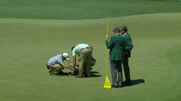 Slam-dunk eagle destroys hole during Masters final round