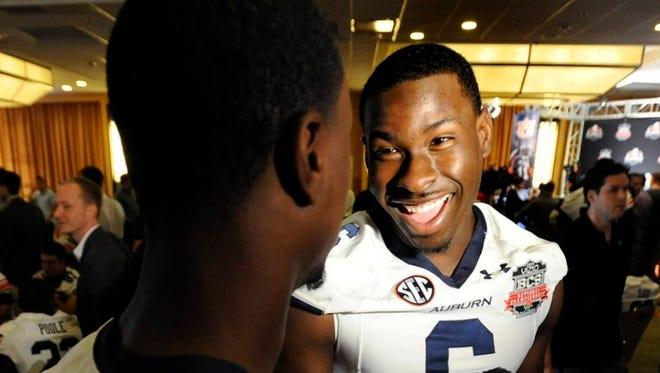 Auburn quarterback Jeremy Johnson has 16-1 odds to win the 2015 Heisman Trophy.