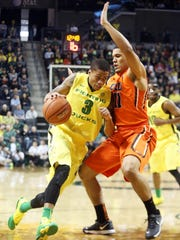 Oregon State guard Malcolm Duvivier (right) leads the upstart Beavers in assists while averaging 8.8 points per game.