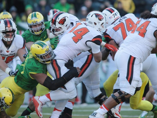 Ryan Nall (No. 34) ran for 174 yards against Oregon in last season's Civil War.