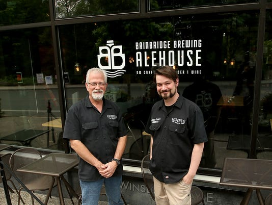 Bainbridge-Brewing-Alehouse-04.JPG
