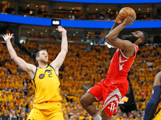 Rockets_Jazz_Basketball_11634.jpg