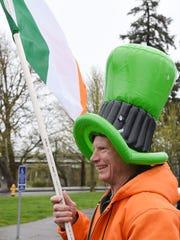Carl Beilstein helps lead the annual Céilí of the Valley