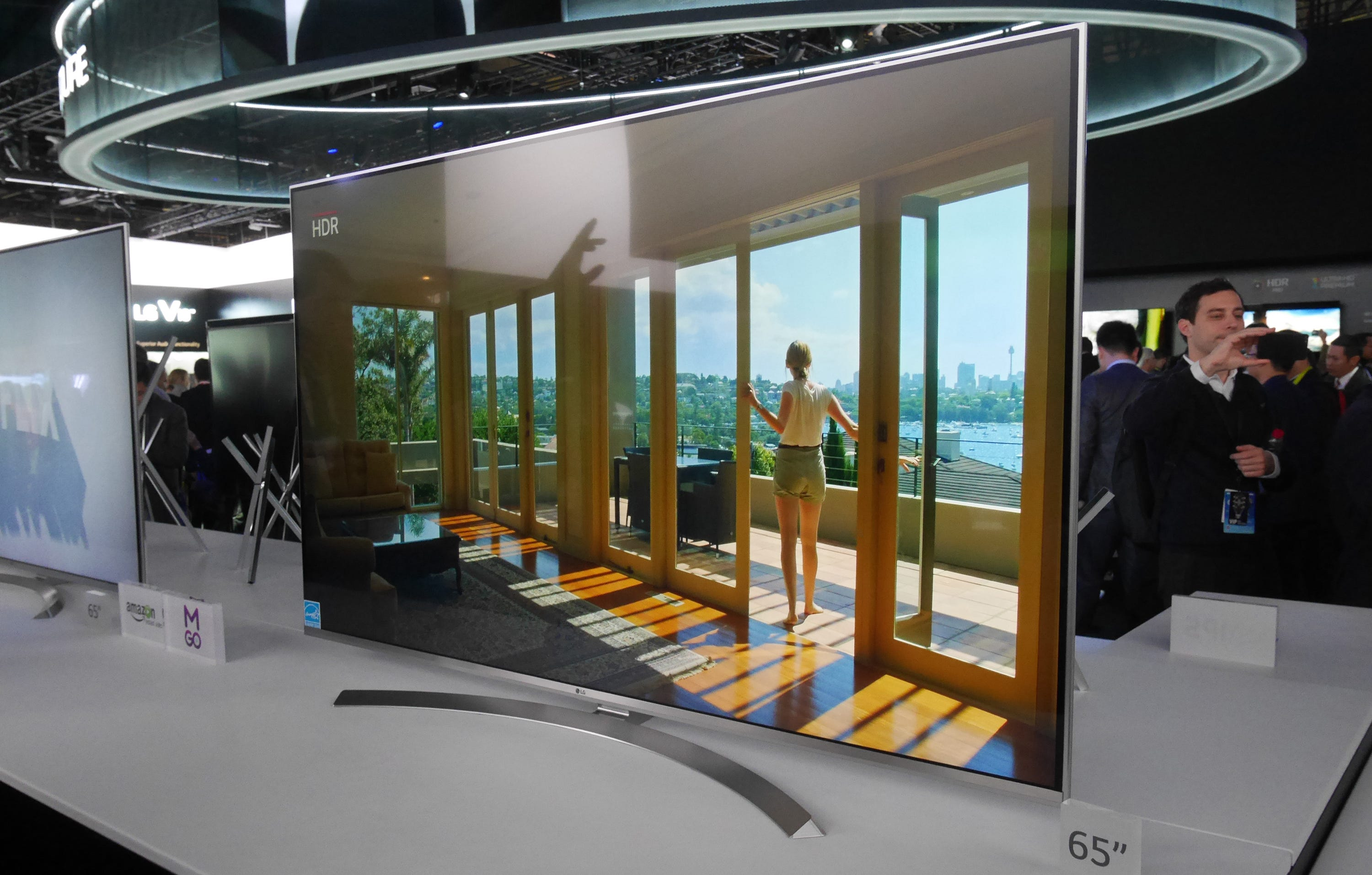story tech  lgs non oled k tv nothing scoff