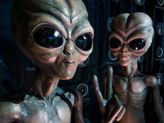 UFO-convention-2016-032918