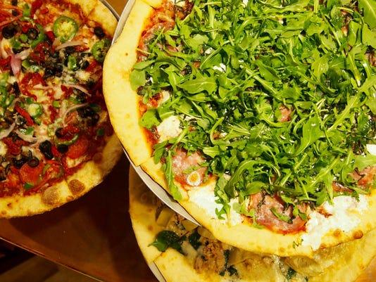 636235493277725310-2.Pizza.jpg
