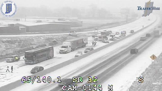 A multi-vehicle crash has temporarily closed northbound Interstate 65 near mile marker 140.
