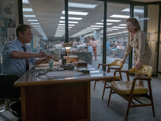 Ben Bradlee (Tom Hanks, left) and 'Washington Post' publisher Kay Graham (Meryl Streep) race to catch up with 'The New York Times' in printing the classified Pentagon Papers.