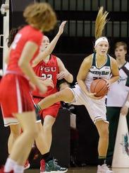 Green Bay Phoenix guard/forward Jessica Lindstrom (21)