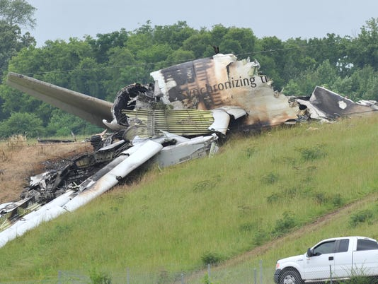 Probe: UPS pilots warned about descending too fast