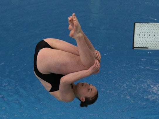 Notre Dame High School's Sophie Middendorf competes