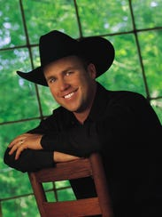 Rodney Carrington returns to Michigan this weekend.