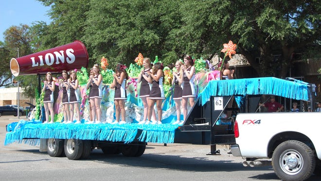 The Vernon High School Cheerleader float took top honors in two categories at the annual Santa Rosa Roundup Parade held in downtown Vernon on May 16.