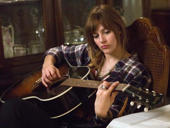 'Nashville' actress Aubrey Peeples plays a shy girl